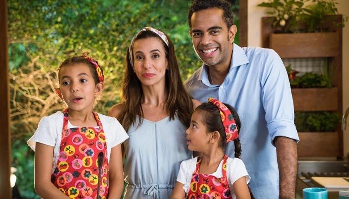 Tania Khalill, o marido, Jairzinho, e as filhas Isabella e Laura (Foto: Reprodução/Instagram)