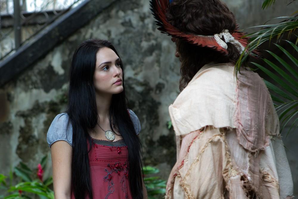 Tinga e Anna brigando em Novo Mundo