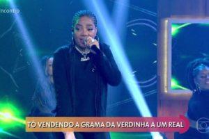 Ludmilla canta música polêmica no Encontro. (Foto: Reprodução)