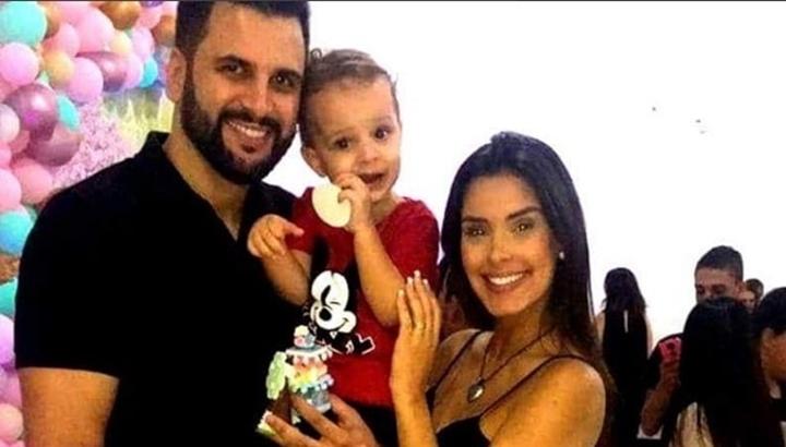 Ivy ao lado do ex-marido, Rogério. (Foto: Reprodução)