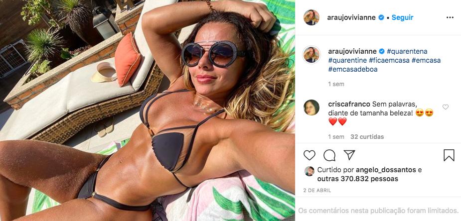 A famosa empresária e atriz da Globo, Viviane Araújo deixou os seus seguidores de queixo caído após expor as suas curvas nas redes sociais -Foto: Reprodução/Instagram)