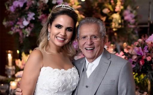 Carlos Alberto, Renata Domingues