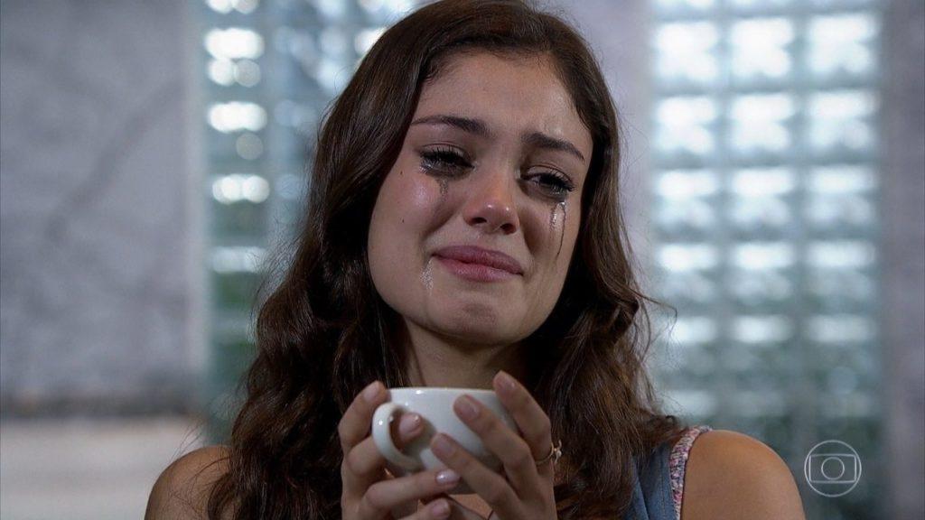 Amália se desespera em cena de Fina Estampa