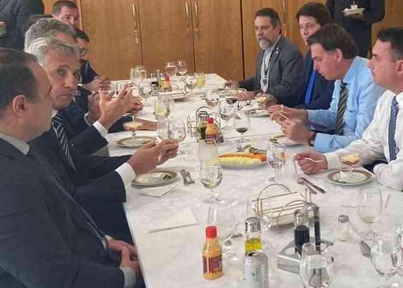 Bolsonaro convida Mário Frias (Foto: Estadão)