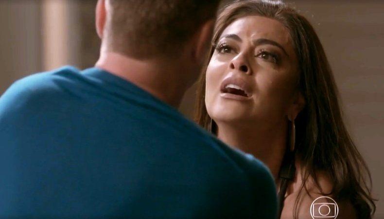 Carolina bate em Arthur após descobrir segredo