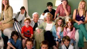 Elenco de Doze é Demais se reúne em vídeo nostálgico 17 anos após lançamento do filme (Foto: Reprodução)