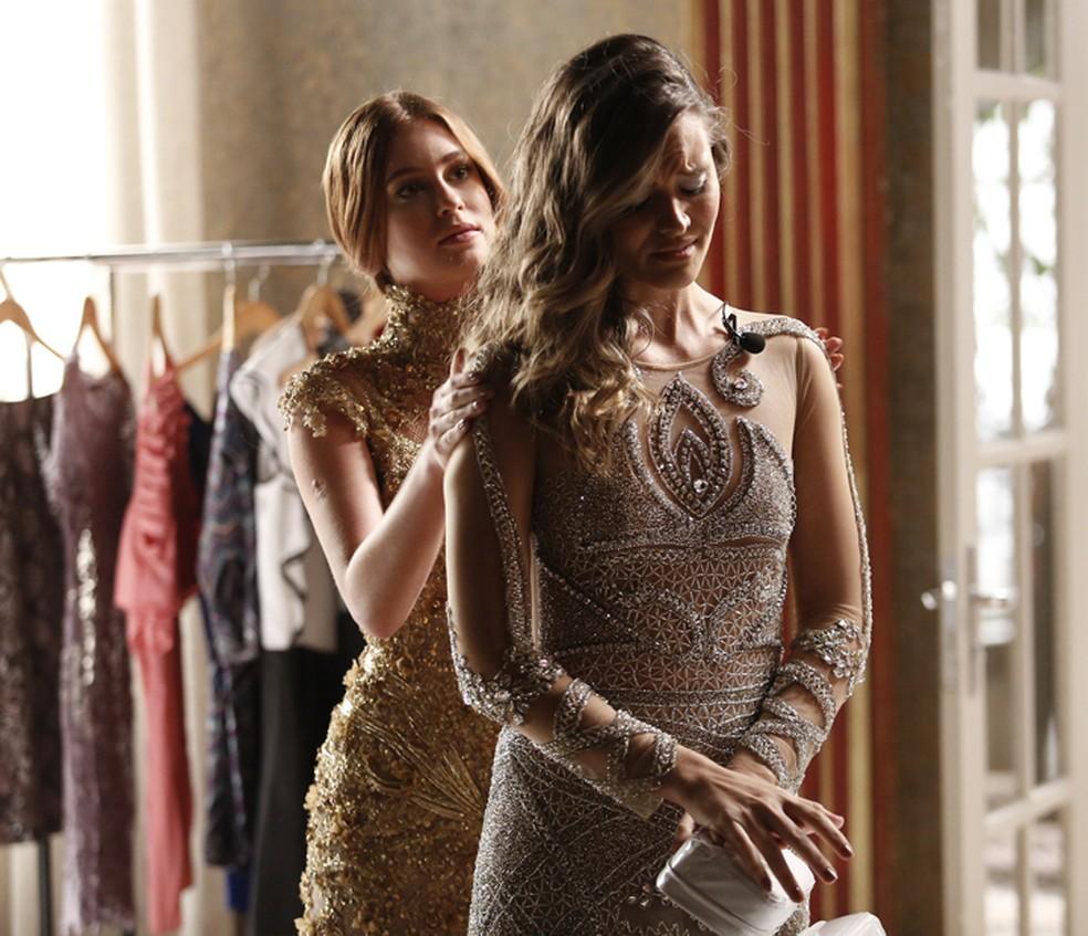 Eliza e Cassandra em cena da novela Totalmente Demais - Foto: Reprodução