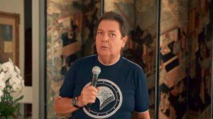 O apresentador Faustão apresentando seu programa de casa - Foto: Reprodução