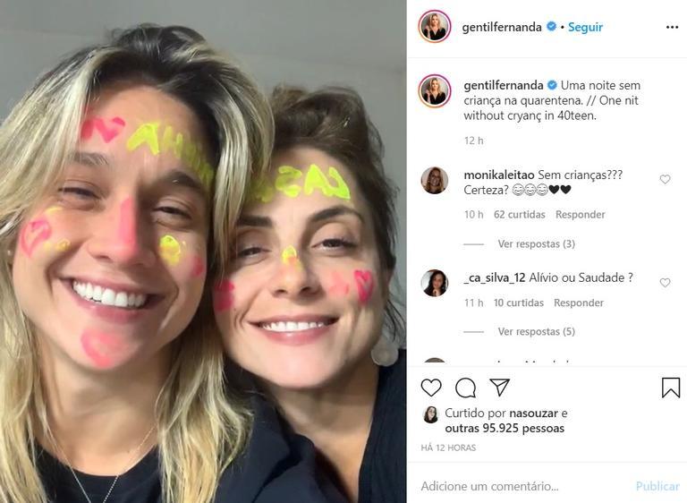 Fernanda Gentil e esposa comemoram ''noite sem crianças'' e aprontam em casa - (Reprodução/Instagram)