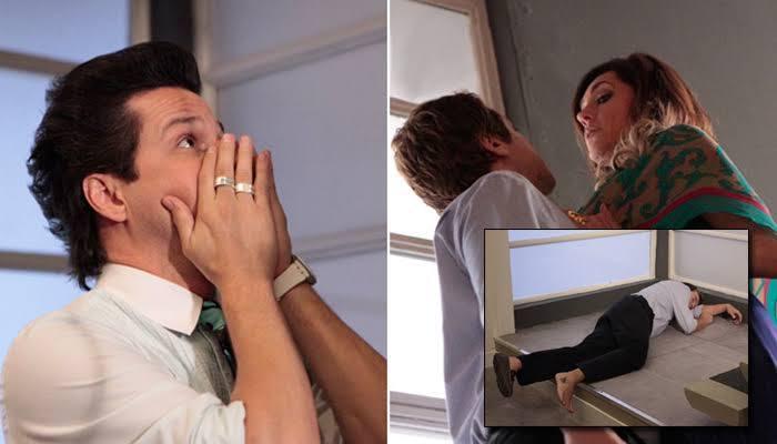 Fina Estampa, Tereza Cristina joga cozinheiro chantagista da escada, ele é o amante de Crô (Imagem: Globo)