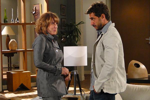 Em Fina Estampa Danielle e Enzo viverão um romance tórrido (Imagem: Globo)