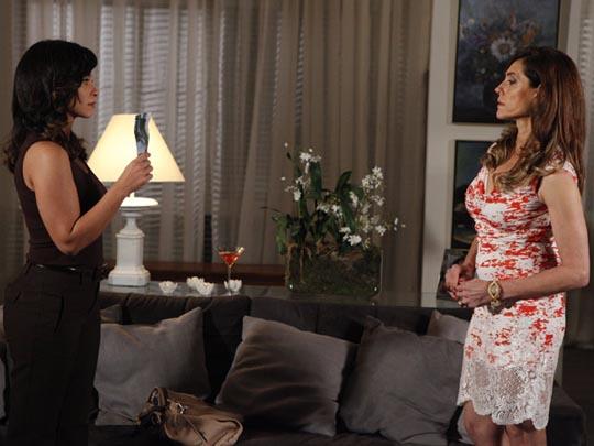 Fina Estampa, Joana investigará a morte da irmã Marcela (Imagem: Globo)