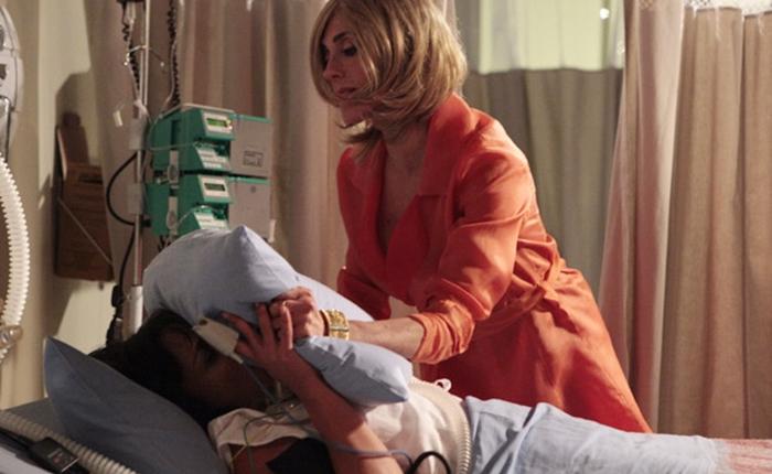 Tereza Cristina (Christiane Torloni) assassina Marcela (Suzana Pires) em Fina Estampa (Foto: Divulgação/Globo)