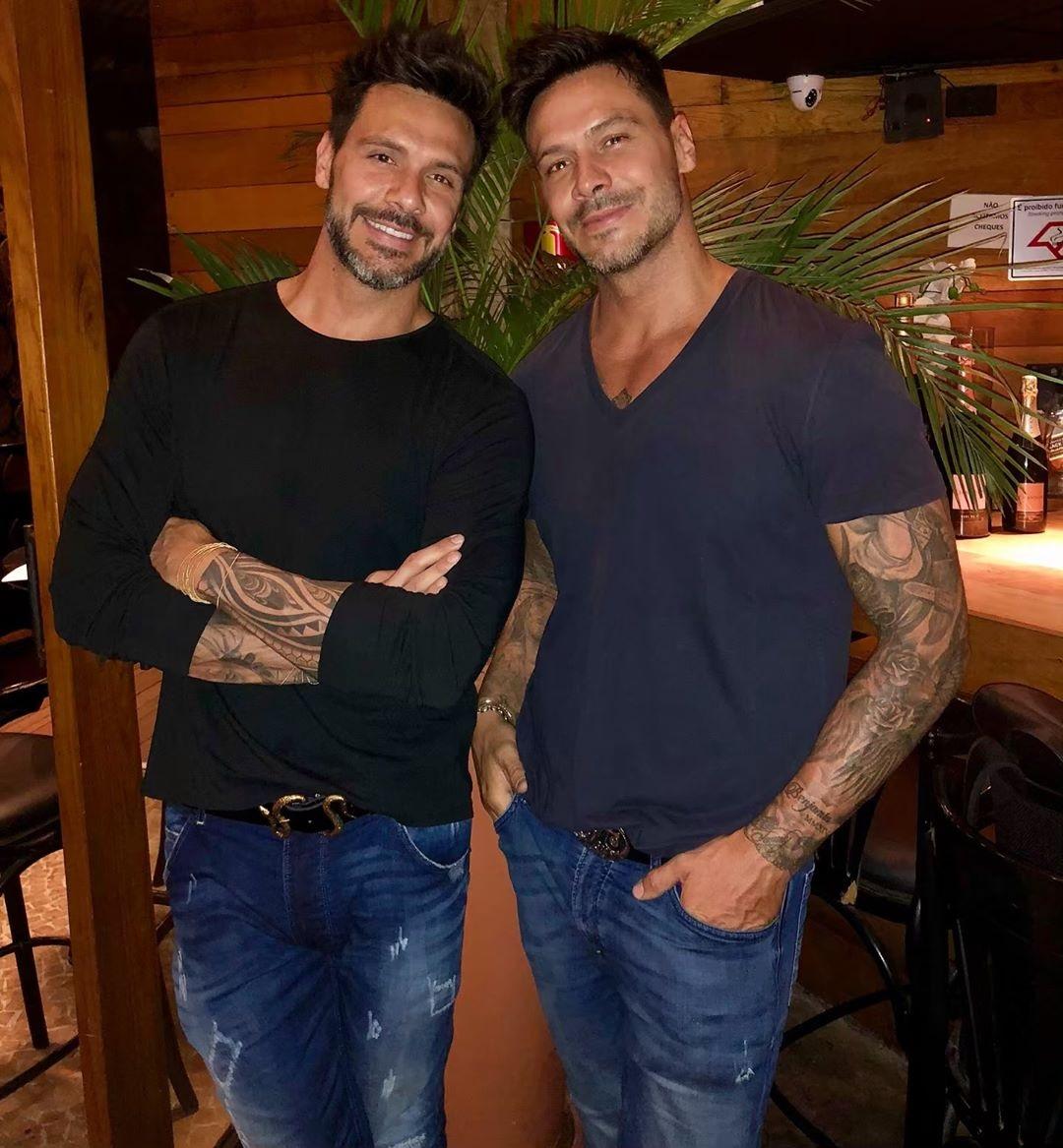 Flávio e Gustavo atualmente (Foto: reprodução/Instagram)