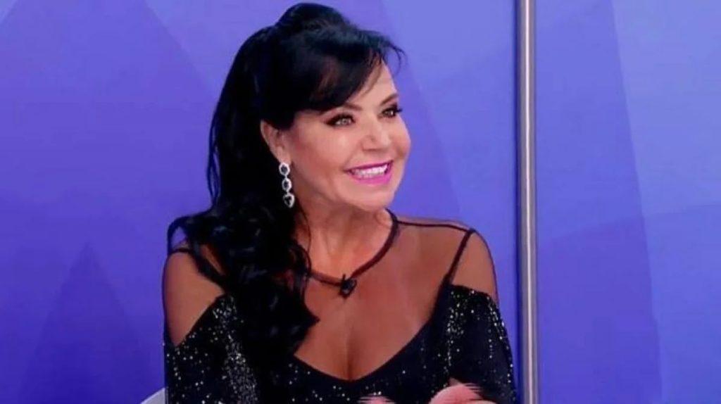 Flor participa do 'Jogo dos Pontinhos' no Programa Silvio Santos (Foto: reprodução/SBT)
