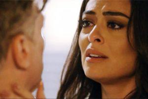 Carolina fica desolada com Arthur em Totalmente Demais