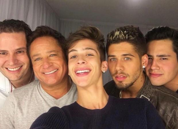 Leonardo com os filhos cantores: Pedro, João Guilherme, Zé Felipe e Matheus Vargas (Foto: Reprodução/ Instagram)