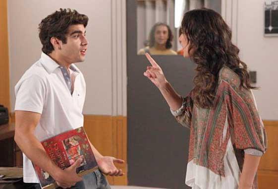 Antenor e Patrícia em cena da novela Fina Estampa - Foto: Reprodução