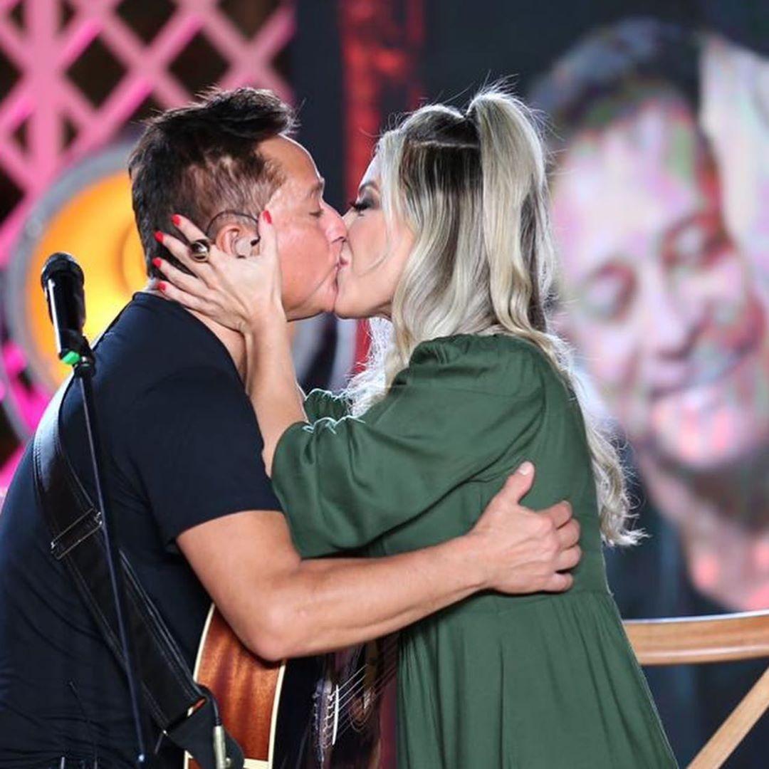 Poliana Rocha e Leonardo em um dos shows do cantor (Foto: reprodução)