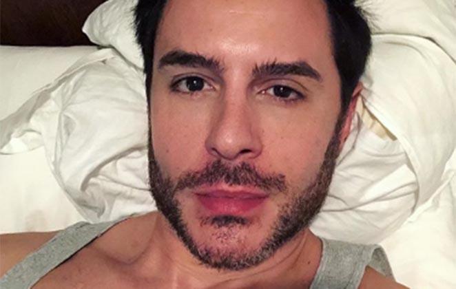 Ricardo Tozzi posou sensual (Foto: Reprodução)