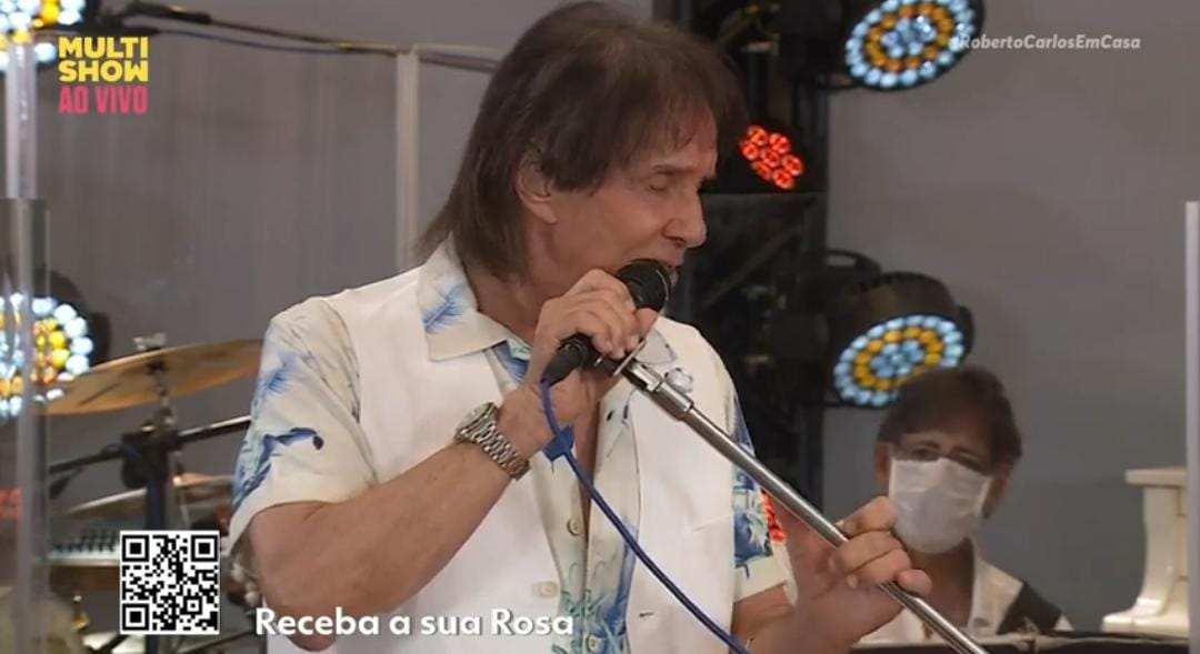 Roberto Carlos faz live promovida pelo grupo Globo (Foto: Reprodução)