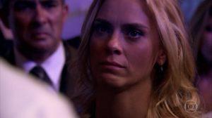 Teodora fica indignada em cena de Fina Estampa