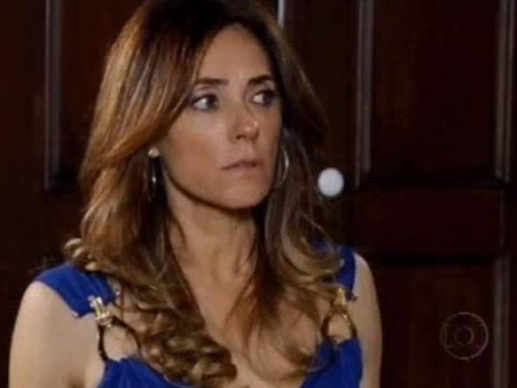 Tereza Christina estranha comportamento de Pereirinha em Fina Estampa