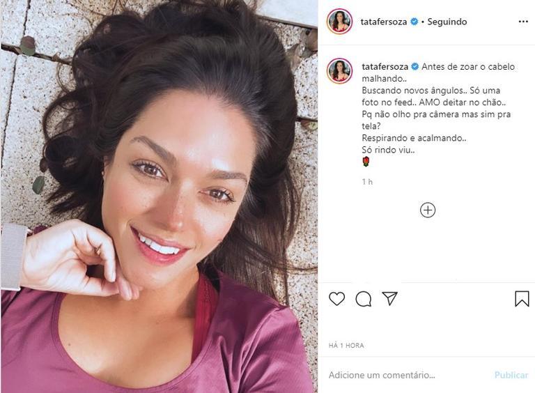 Thais Fersoza encanta com selfie no chão - (Reprodução/Instagram)