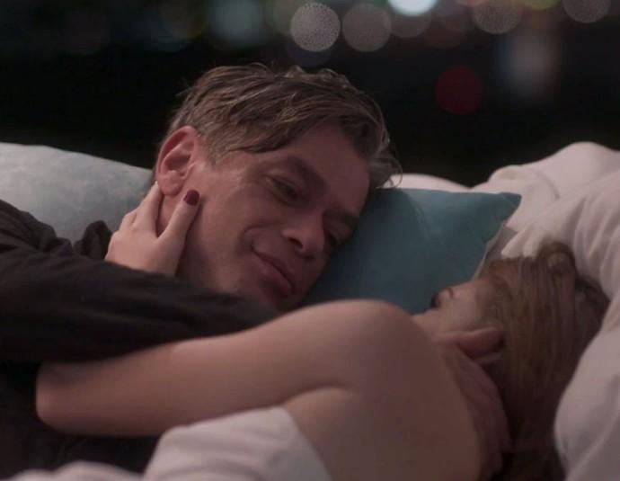 Totalmente Demais, Eliza e Arthur irão para cama (Imagem: Globo)