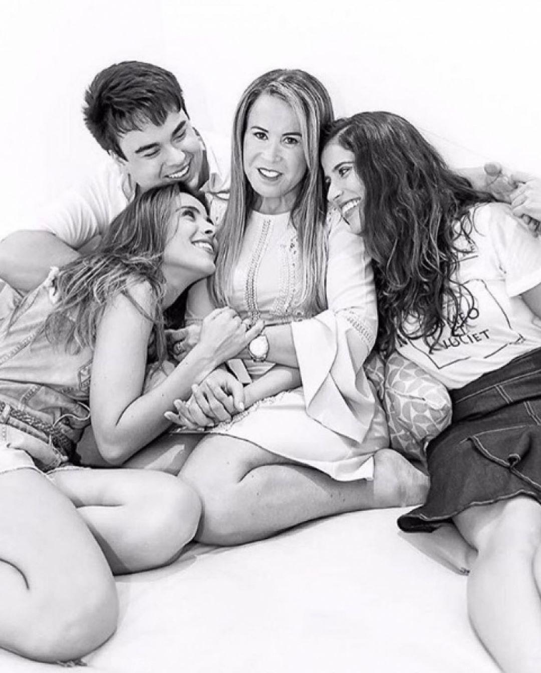 Zilu compartilhou foto com Wanessa, Camilla e Igor (Foto: Reprodução/Instagram)