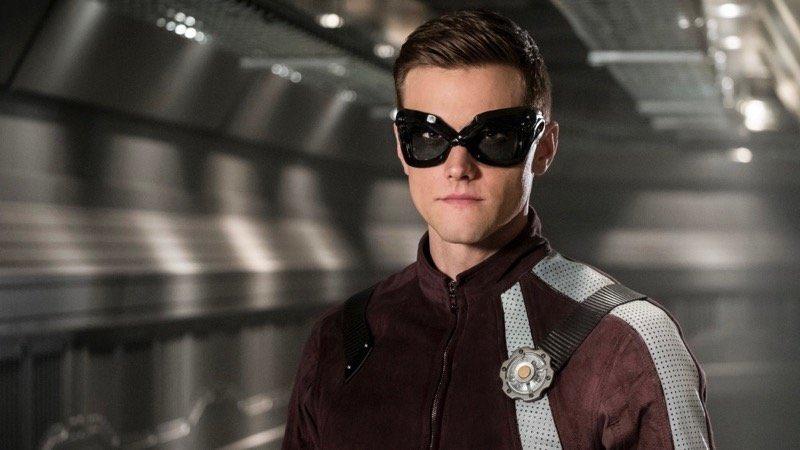 Hartley Sawyer como o Homem Elástico em The Flash (Foto: Reprodução)