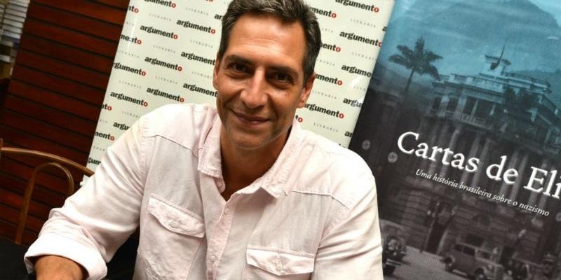 O jornalista no lançamento de seu último livro (Foto: reprodução)