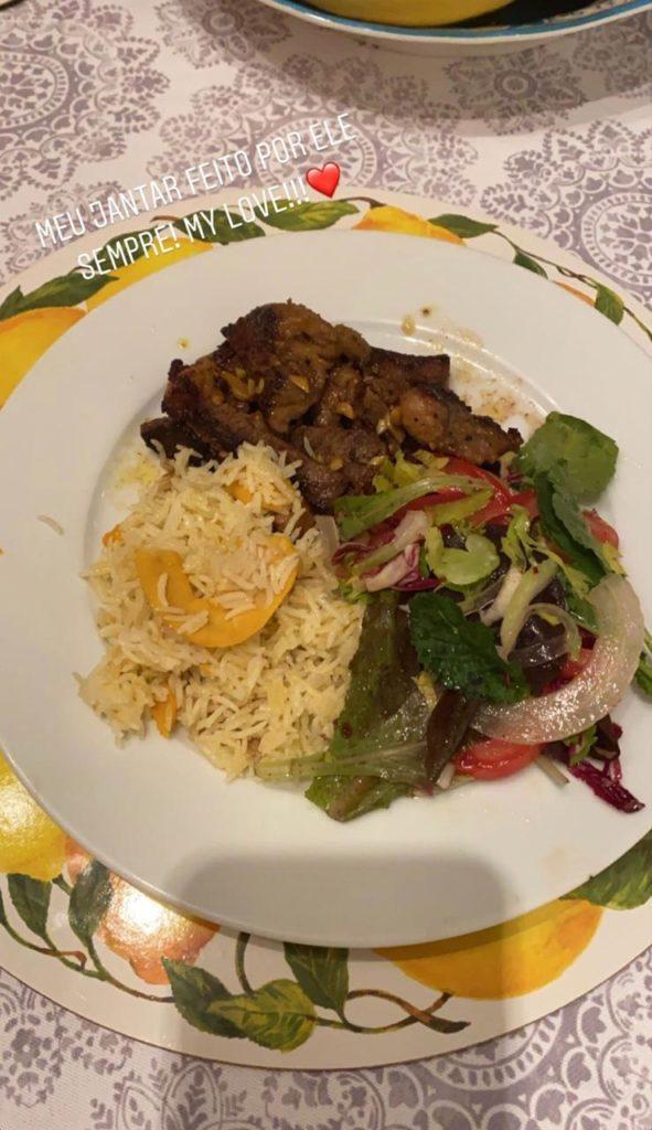 """Zilu compartilha prato preparado por """"Ele"""" (Foto: Reprodução)"""