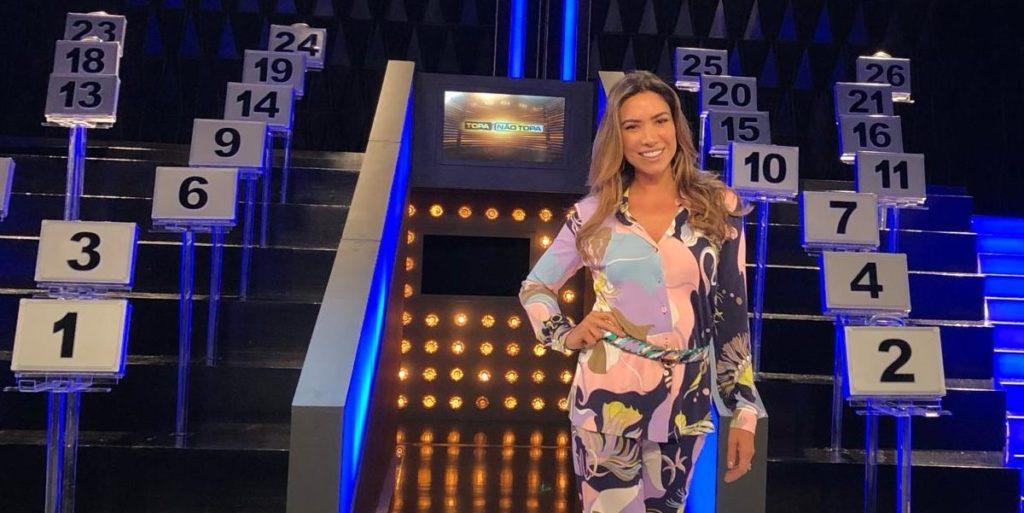 Patrícia Abravanel apresenta o Topa ou Não Topa no SBT (Foto: Reprodução)