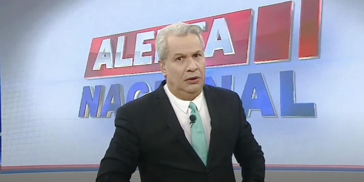 Sikêra Jr, tem causa durante o Alerta Nacional na RedeTV! (Foto: Reprodução)