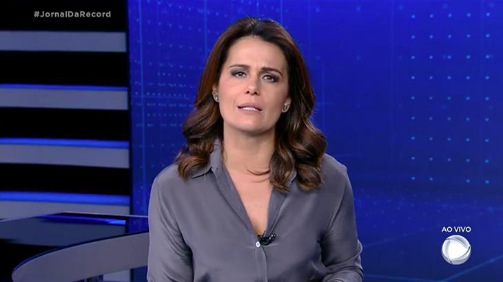 A jornalista Adriana Araújo foi punida na Record - Foto: Reprodução