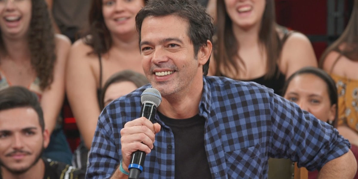 Bruno Mazzeo em participação no Altas Horas; programa do humorista ficará no lugar do Zorra (Foto: Reprodução/Globo)