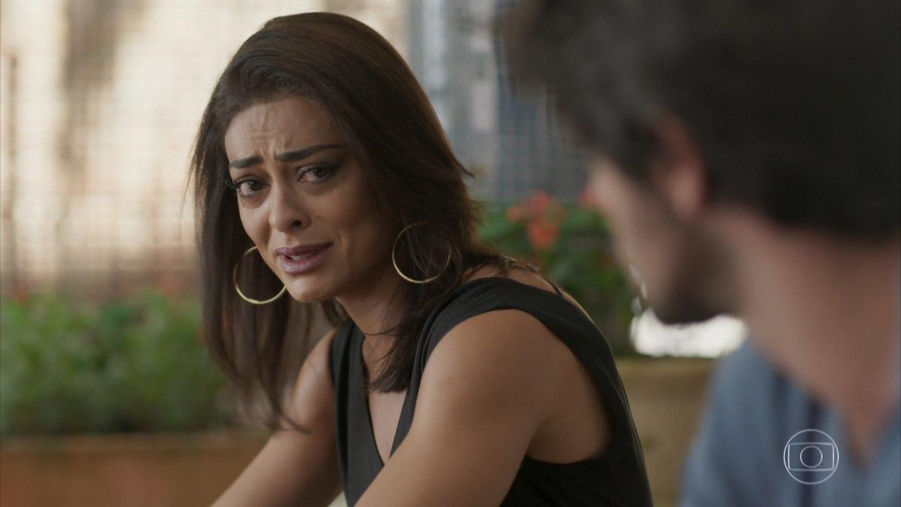 Carolina chora e desabafa com Jonatas em Totalmente Demais