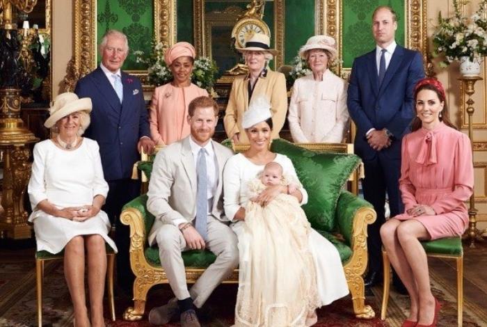 Família Real é acusada de matar Diana pelo grupo Anonymous (Foto: Reprodução)