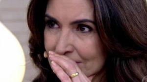 Fátima Bernardes se emocionou no Encontro mais foi desmascarada por ex-cozinheira (Foto: Reprodução)