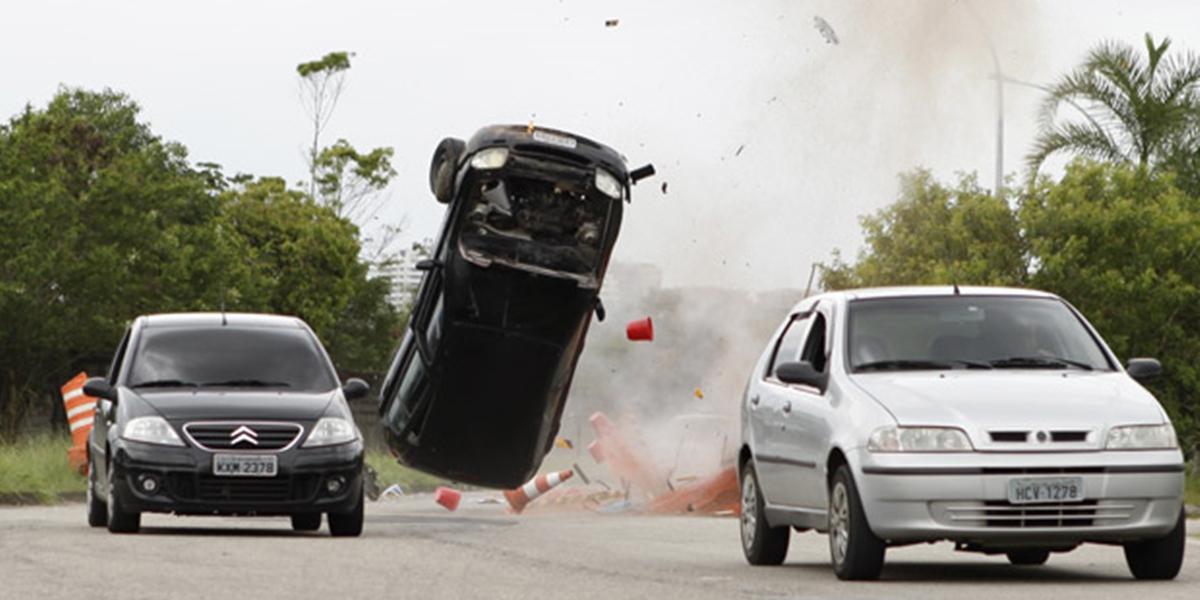 Amália (Sophie Charlotte) sofre acidente de carro em Fina Estampa (Foto: Divulgação/Globo)