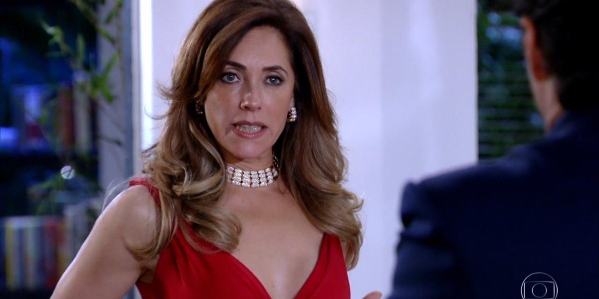 Tereza Cristina (Christiane Torloni) revelará segredo do seu passado em Fina Estampa (Foto: Reprodução/Globo)