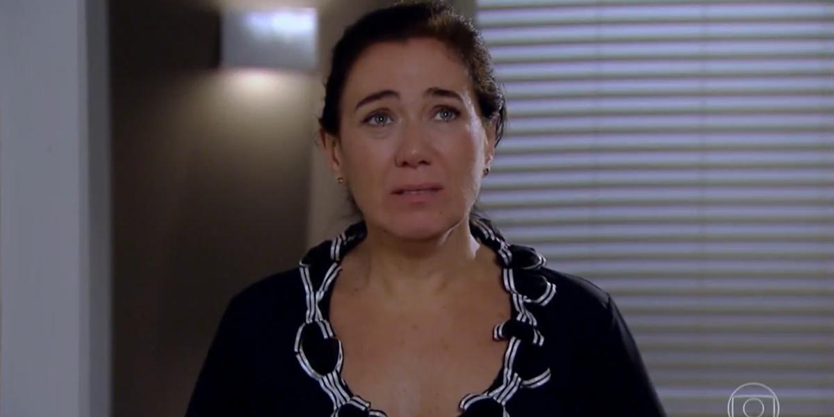 Griselda (Lilia Cabral) levará fora de René (Dalton Vigh) após farsa descoberta em Fina Estampa (Foto: Reprodução/Globo)