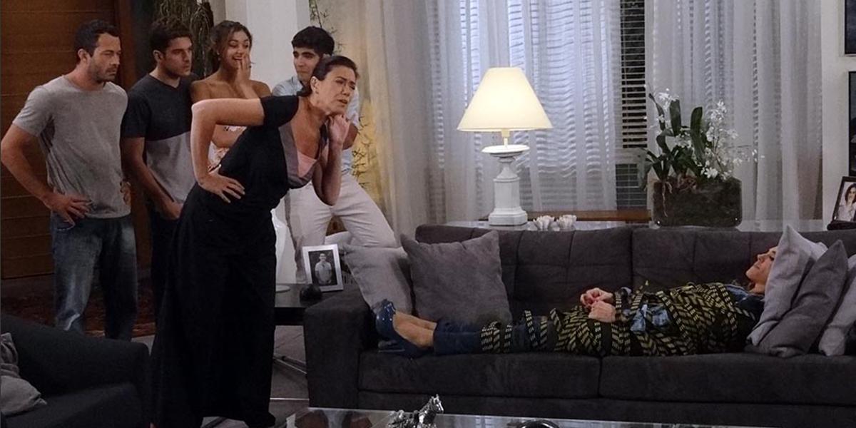 Tereza Cristina (Christiane Torloni) será humilhada por Griselda (Lilia Cabral) em Fina Estampa (Foto: Divulgação/Globo)