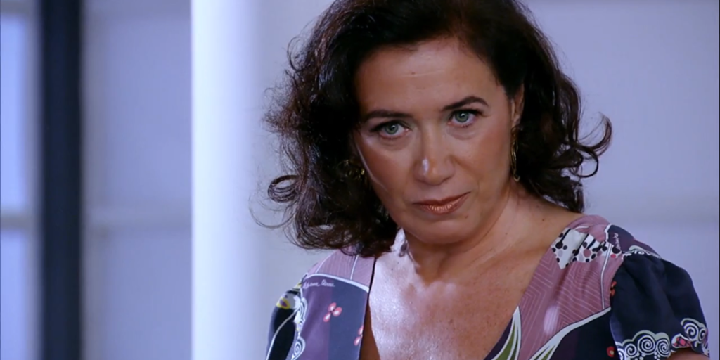 Griselda (Lilia Cabral) se vinga de Tereza Cristina (Christiane Torloni) após ser rejeitada em Fina Estampa (Foto: Reprodução/Globo)