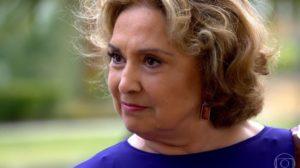 Íris (Eva Wilma) venderá segredo de Tereza Cristina (Christiane Torloni) para rival em Fina Estampa (Foto: Reprodução/Globo)