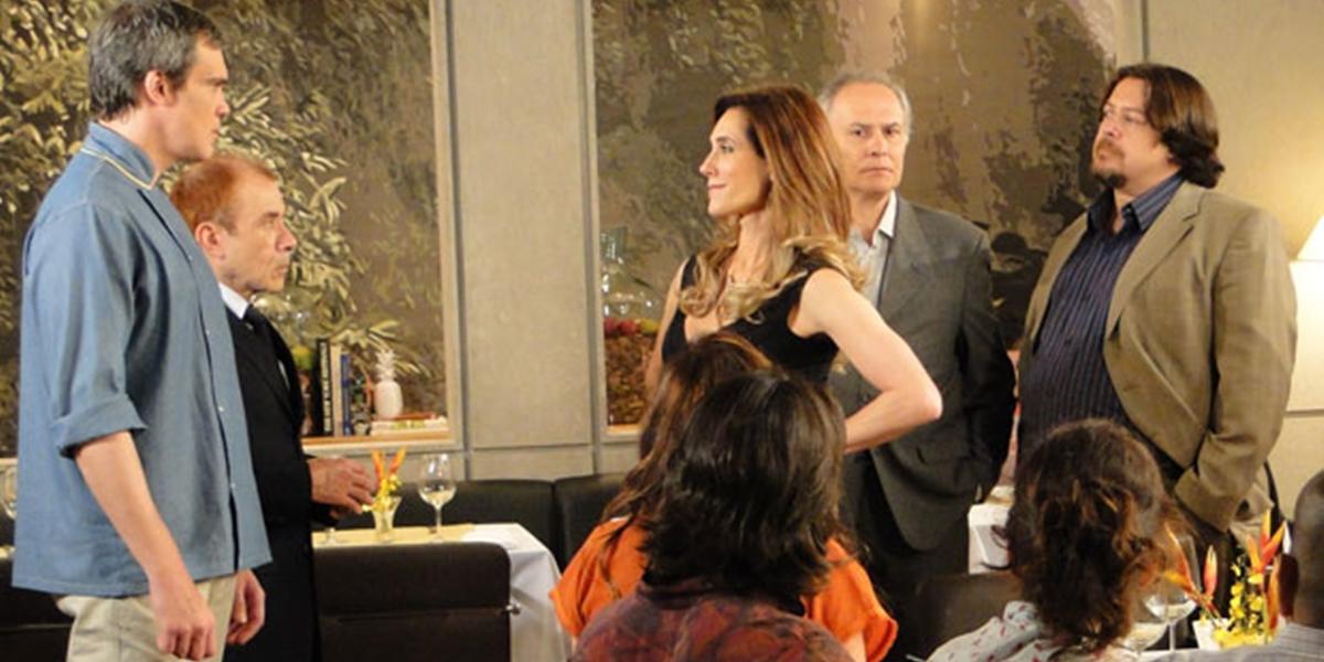 René (Dalton Vigh) descobre farsa de Griselda (Lilia Cabral) em Fina Estampa (Foto: Divulgação/Globo)