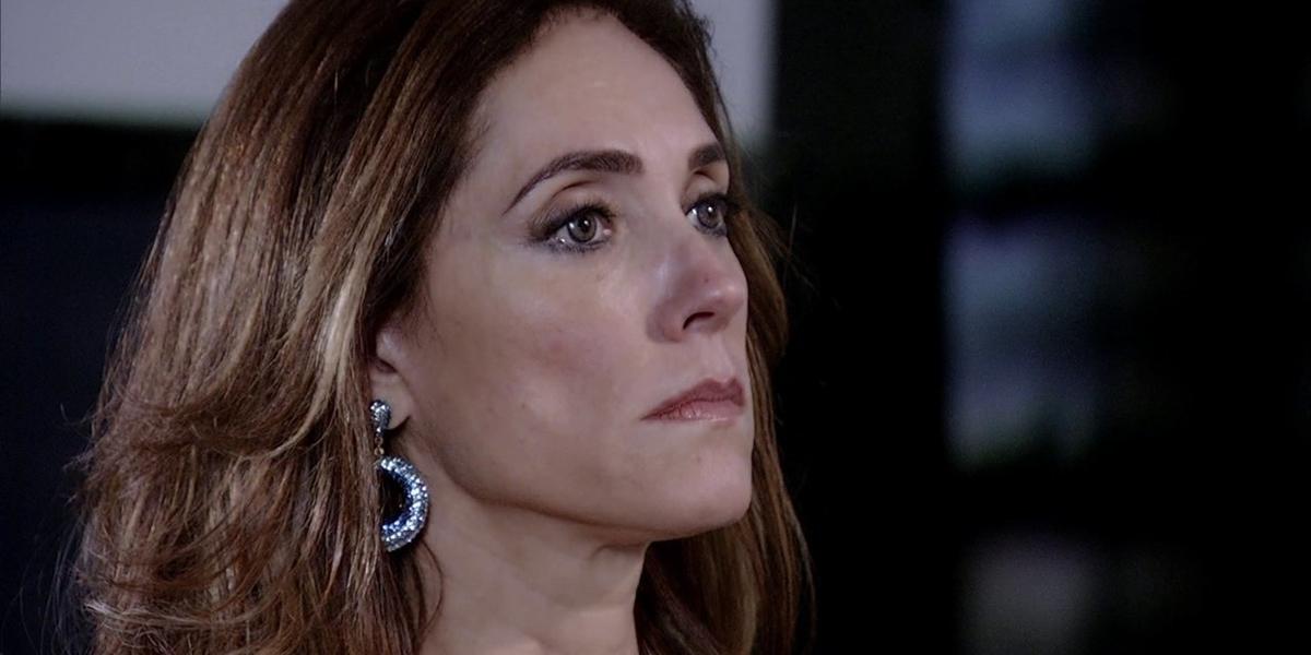 Tereza Cristina (Christiane Torloni) será flagrada no momento de assassinato em Fina Estampa (Foto: Reprodução/Globo)