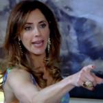 Tereza Cristina (Christiane Torloni) invadirá festa de Griselda (Lilia Cabral) e agredirá o ex-marido em Fina Estampa (Foto: Reprodução/Globo)