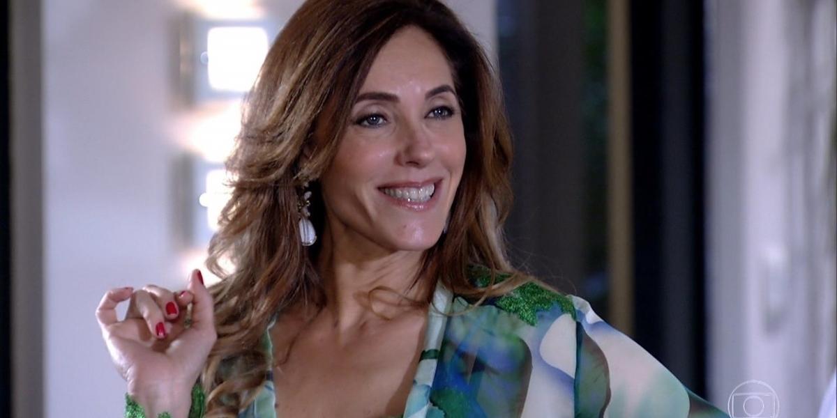 Tereza Cristina (Christiane Torloni) surpreende René (Dalton Vigh) em Fina Estampa (Foto: Reprodução/Globo)